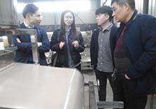 韩国客户购买凉皮机现场